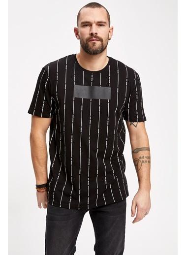 DeFacto Dikey Çizgili Kısa Kollu T-shirt Siyah